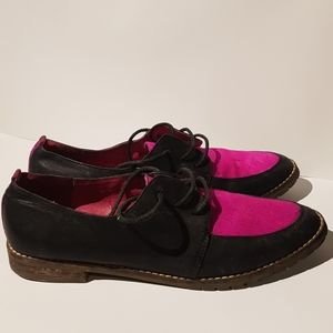 2/$60 Vintage woman leather shoes pink